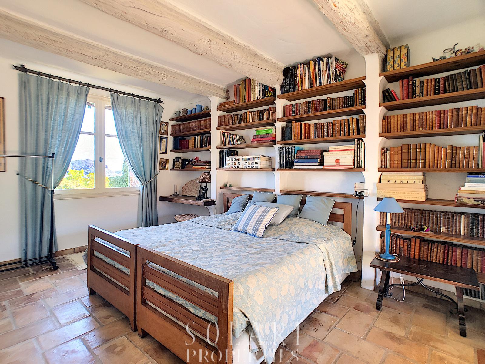 annonce villa 6 pieces mandelieu la napoule vente. Black Bedroom Furniture Sets. Home Design Ideas